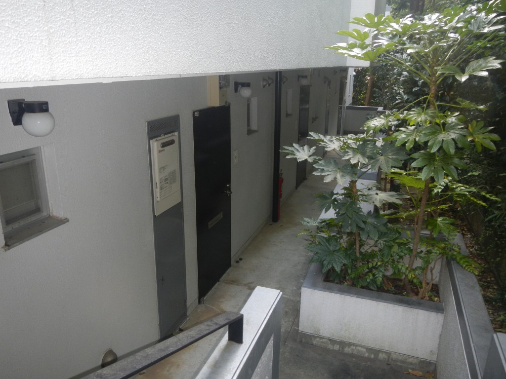 階段・外廊下
